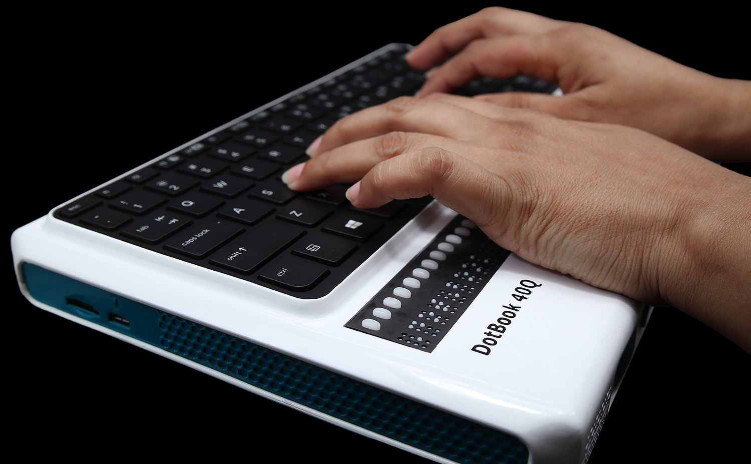 This is a picture of white DotBook 40Q with QWERTY keyboard.